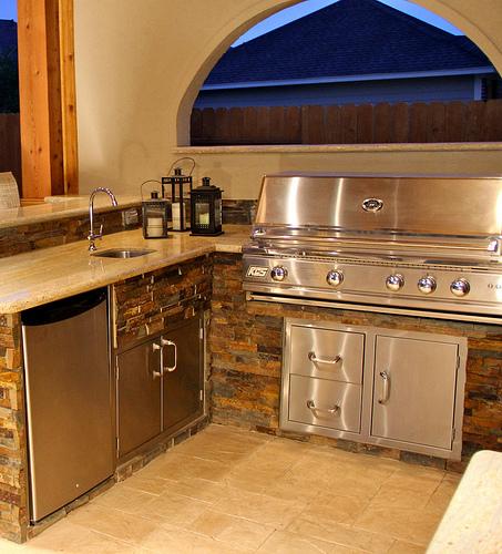 Building Your Dream Kitchen: Build A Dream Outdoor Kitchen